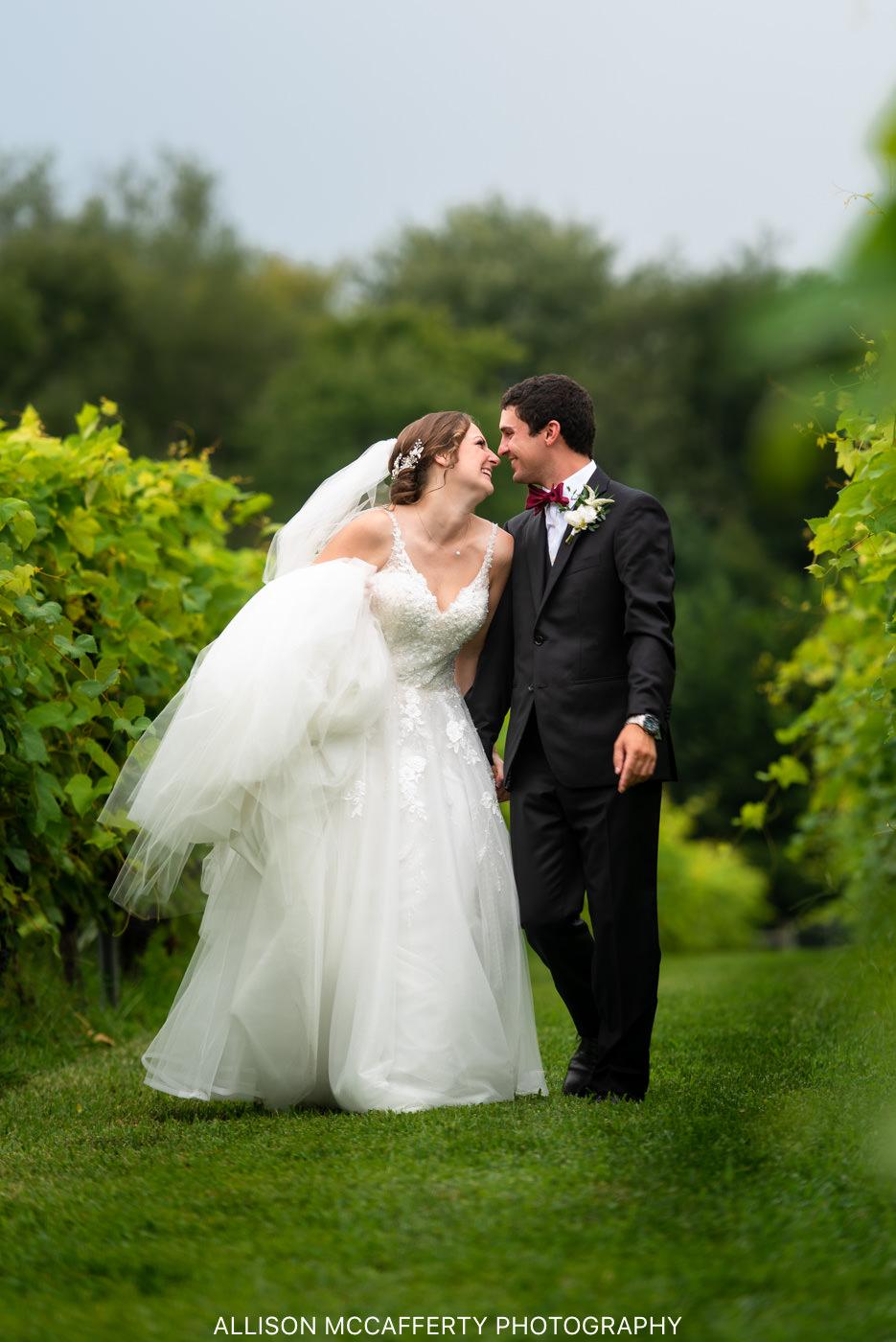 Valenzano's Winery Wedding Picture